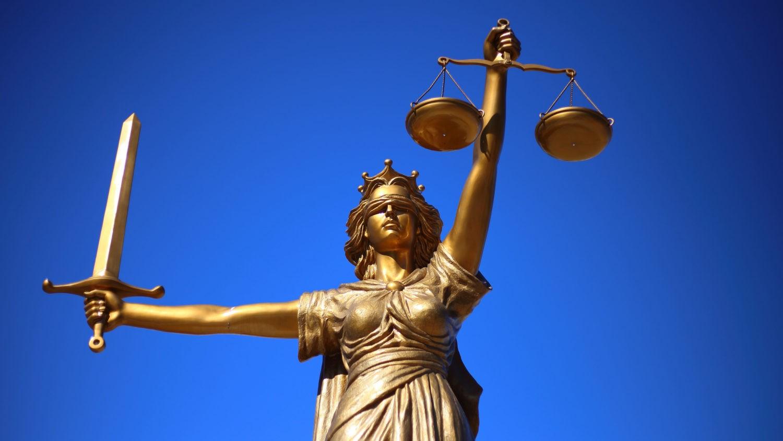 Wer oder was begründet das Recht? Antworten von der griechischen Antike bis in die Gegenwart